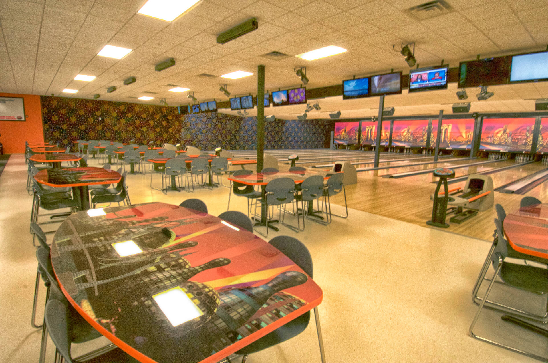 Chuckers Bowl & Lounge - Rush City Bowling Alley